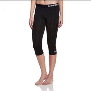 Nike Pro Dri Fit Cropped Athletic Pants